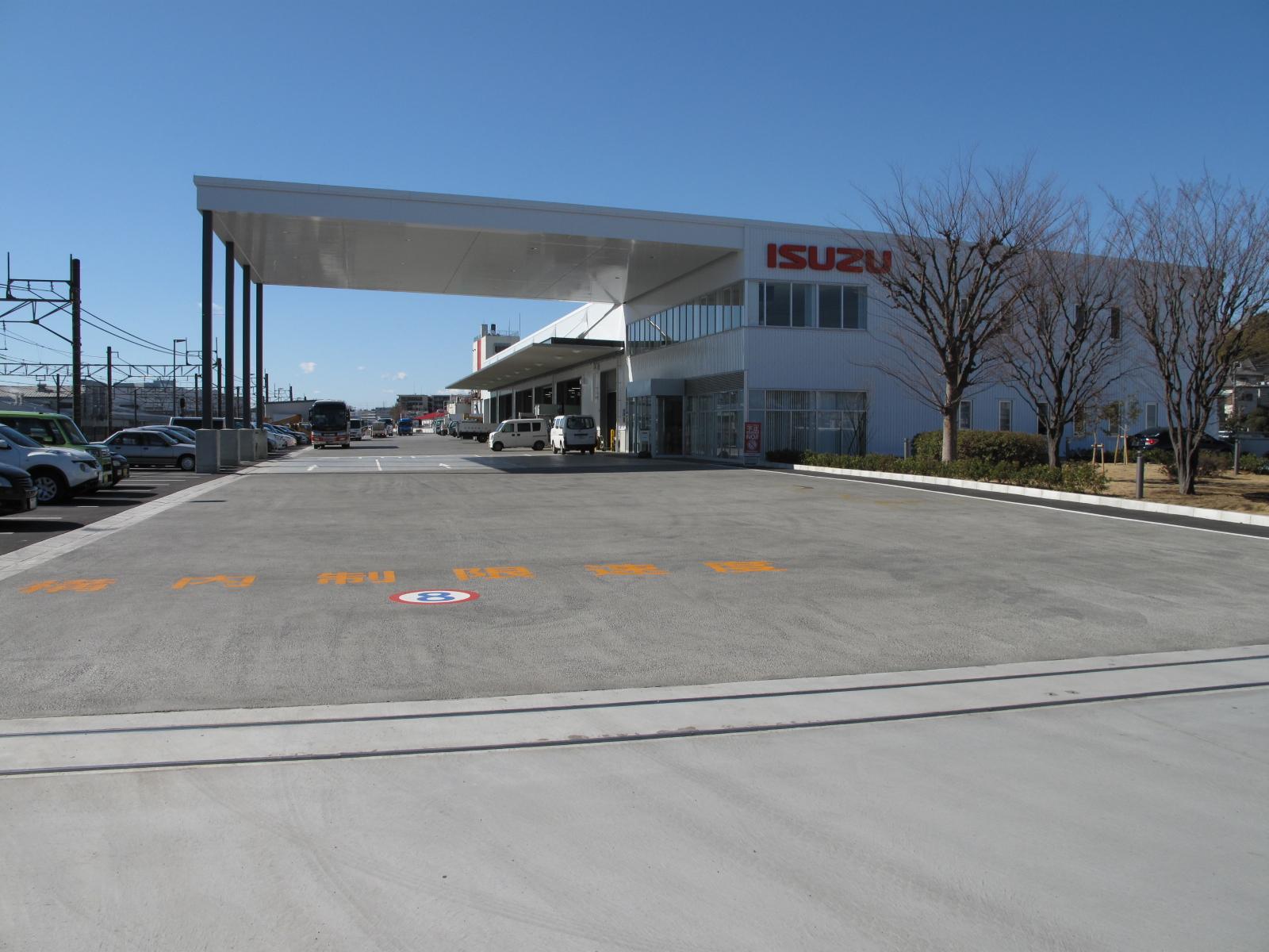 【神奈川県川崎市】年間休日111日◆残業代100%支給◆大型トラックの整備士大募集《期間限定》