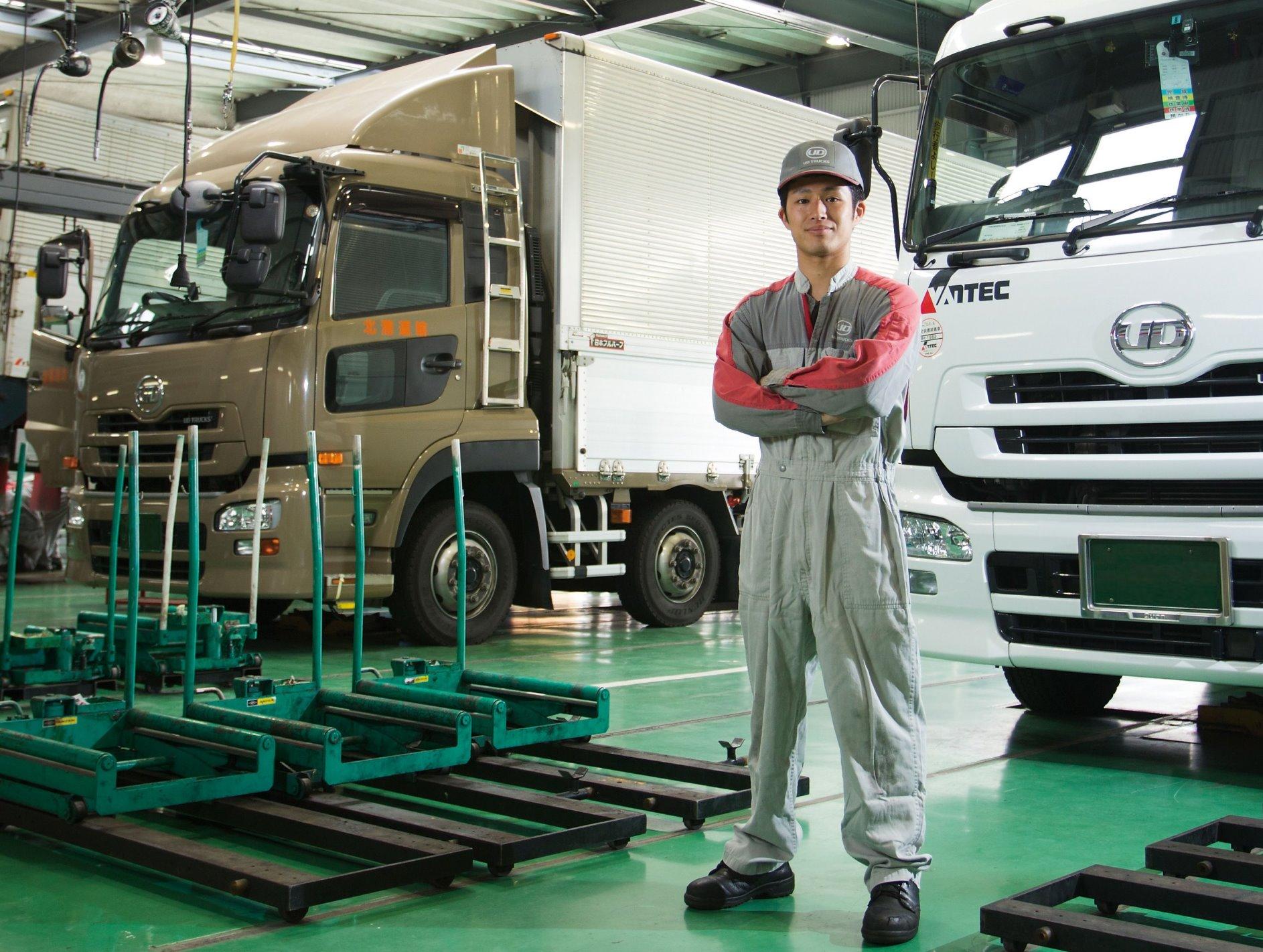 【正社員 埼玉県(日高)】高年収!残業少!大手トラックメーカーの整備士募集!